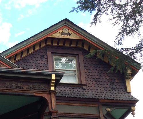 nice walnut street house detail 1