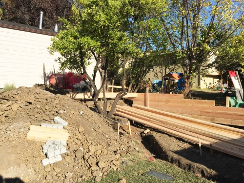 Formwork for retaining walls